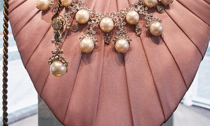 A Giugno, Milano è stata la protagonista della presentazione delle collezioni prèt-à-porter dedicata all'uomo. Dolce & Gabbana omaggia gli anni '30.