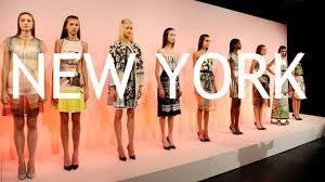 New York Fashion Week è l'evento più atteso e glitterato al quale tante star holliwoodiane non riescono proprio a rinunciare.