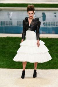 Karl Lagerfeld presenta Virginie Vilard