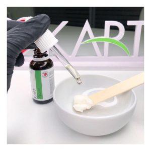The Nails Bar crea la beauty SOS PIEDI routine studiata esclusivamente per la pedicure curativa per renderli sani, morbidi e levigati.